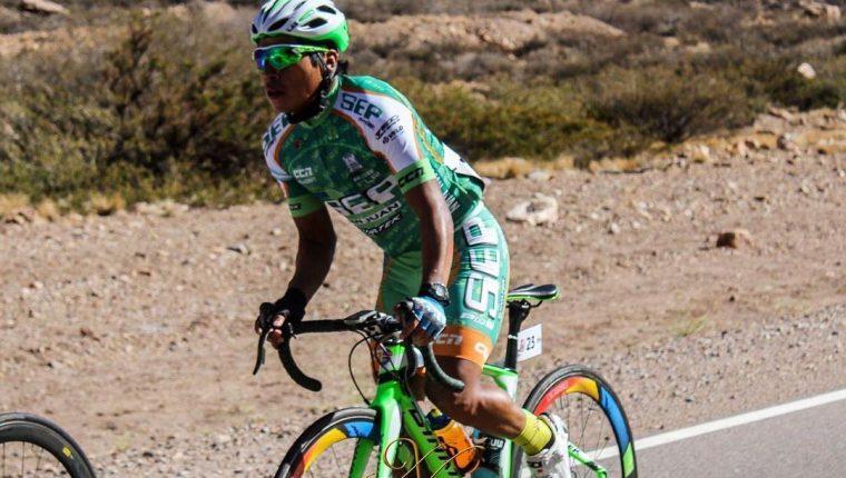 Alfredo Ajpacajá fue invitado para reforzar a SEP luego de la histórica participación en la Vuelta a Guatemala. (Foto Prensa Libre: Cortesía)