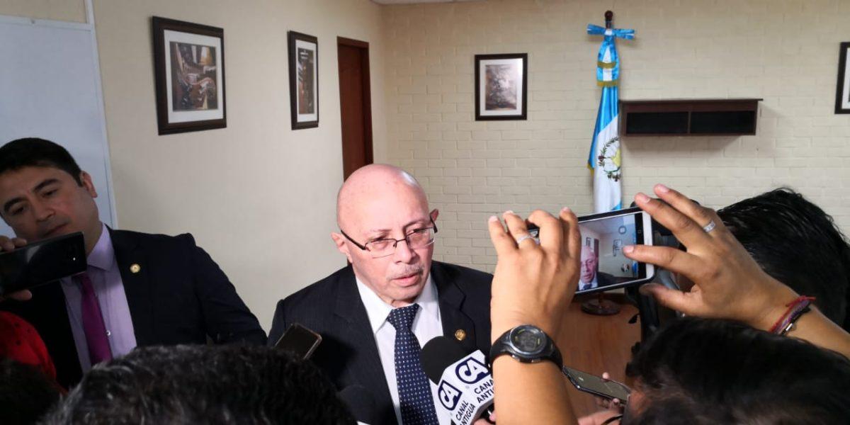 Renap niega pérdida de información mientras diputados piden una revisión forense