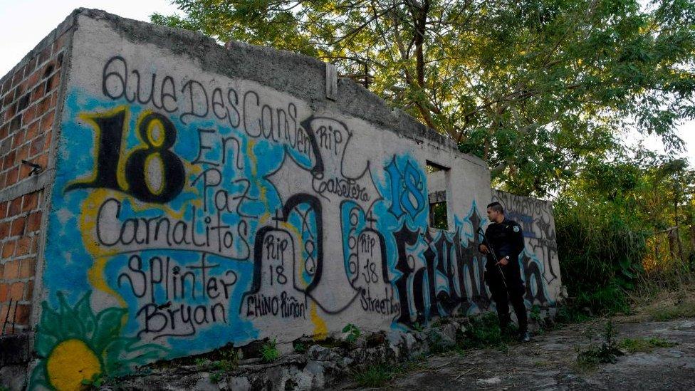 Elecciones en El Salvador: ¿qué papel juegan las pandillas en los próximos comicios presidenciales del país centroamericano?