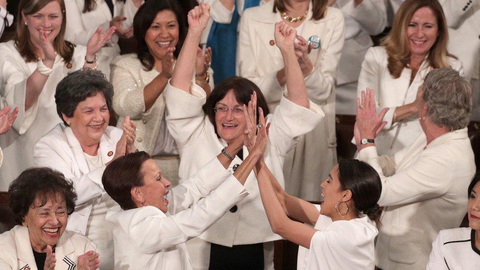 Las congresistas demócratas, que asistieron al discurso del Estado del Unión vestidas de blanco, fueron de lo más comentado de la noche.