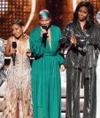La ex primera dama de Estados Unidos Michelle Obama subió al escenario en el arranque de la 61ª edición de los Grammy.