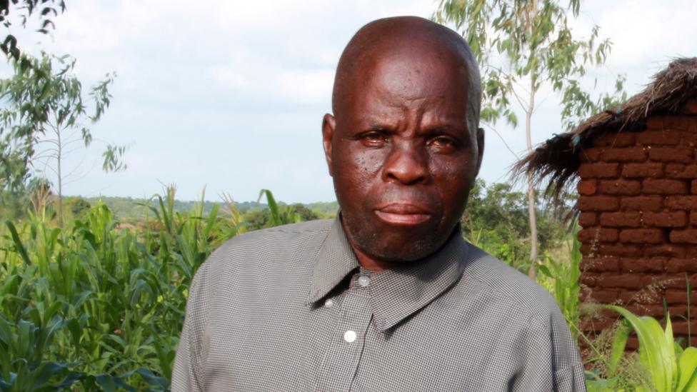 Byson Kaula fue condenado a muerte y estuvo más de dos décadas esperando su ejecución en una cárcel de Malawi.