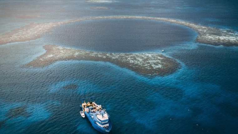 El Gran Agujero Azul de Belice, el sumidero más grande del mundo. AQUATICA