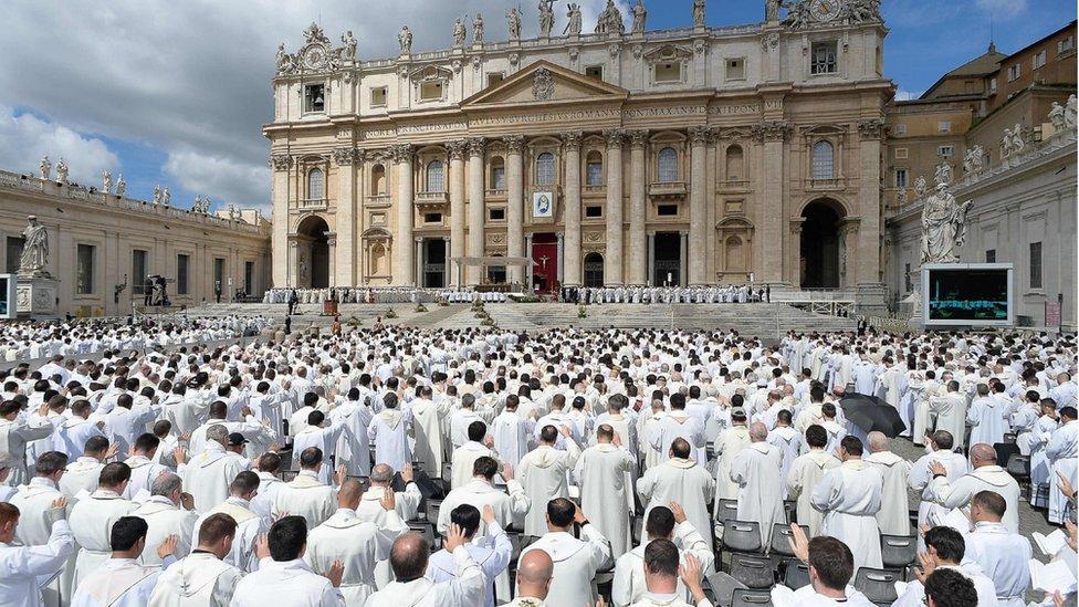 Según Martel, gran parte de los curas del Vaticano son homosexuales.