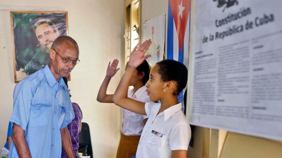 El nuevo proyecto de Constitución reconoce los cambios que introdujo Raúl Castro. GETTY IMAGES