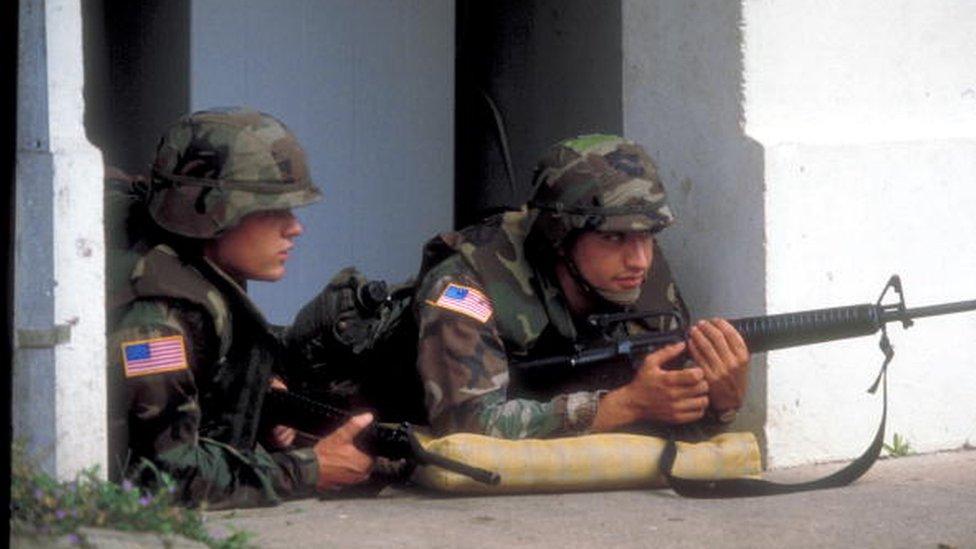 En 1989 el ejército de Estados Unidos invadió Panamá para capturar al general Manuel Antonio Noriega.