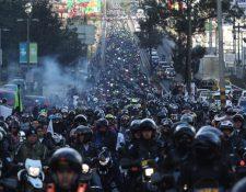 Motoristas se enfilan por la ruta al Atlántico, para salir de la Ciudad de Guatemala rumbo a Esquipulas. (Foto Prensa Libre: Esbin García)