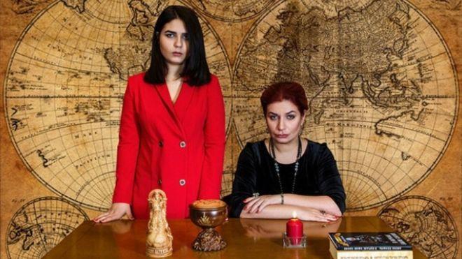 Alyona Polyn es la creadora de la que se autodefine como mayor organización de brujas de Rusia. EMPIRE OF THE MOST POWERFUL WITCHES
