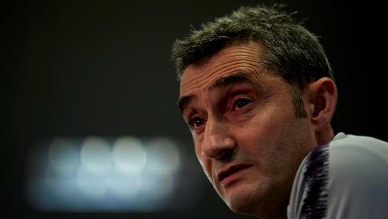 El entrenador del FC Barcelona, Ernesto Valverde, asegura que será una serie muy pareja con el Real Madrid. (Foto Prensa Libre: EFE)