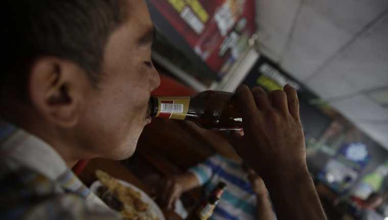 Los 48 Cantones de Totonicapán instalaron una Ley seca a partir de las 18 horas y que concluye hasta las 6 horas del siguiente día. (Foto Prensa Libre: HemerotecaPL)