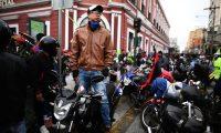 AME7393. CIUDAD DE GUATEMALA (GUATEMALA), 02/02/2019.- Motociclistas participan en la 58 Caravana del Zorro, la romería más grande del mundo con más de 25 mil participantes que salen de la Ciudad de Guatemala (Guatemala) a venerar al Cristo Negro en la ciudad de Esquipulas. EFE/ Edwin Bercian