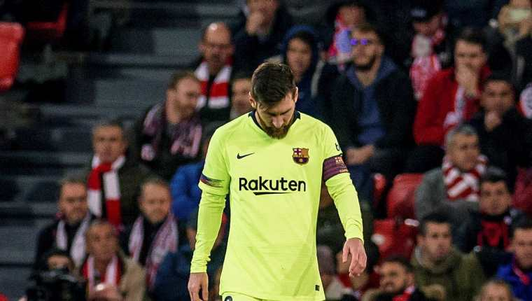 Lionel Messi no ha logrado recuperar su mejor nivel. Su bajón le afecta a todo el equipo. (Foto Prensa Libre: EFE)
