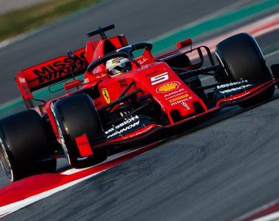 Vettel sorprende en los primeros ensayos de la Fórmula 1 en Montmeló