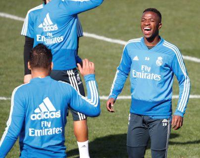 El delantero brasileño del Real Madrid, Vinicius, asegura que Messi no asusta a nadie. (Foto Prensa Libre: EFE)