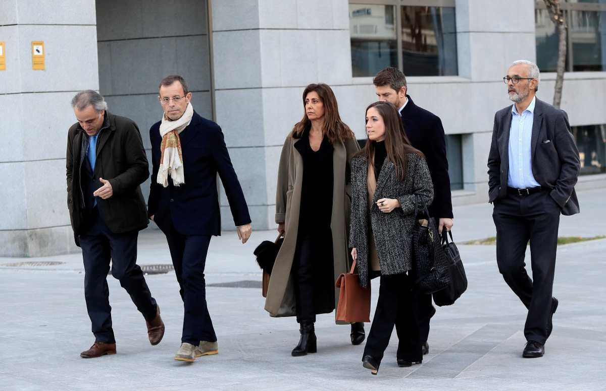 Sandro Rosell es juzgado por blanqueo no porque presidiera el Barcelona