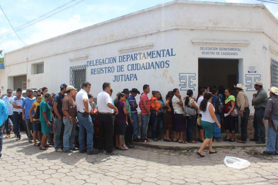 Los mayores de edad con DPI pueden empadronarse para votar. (Foto Prensa Libre: Hemeroteca PL)