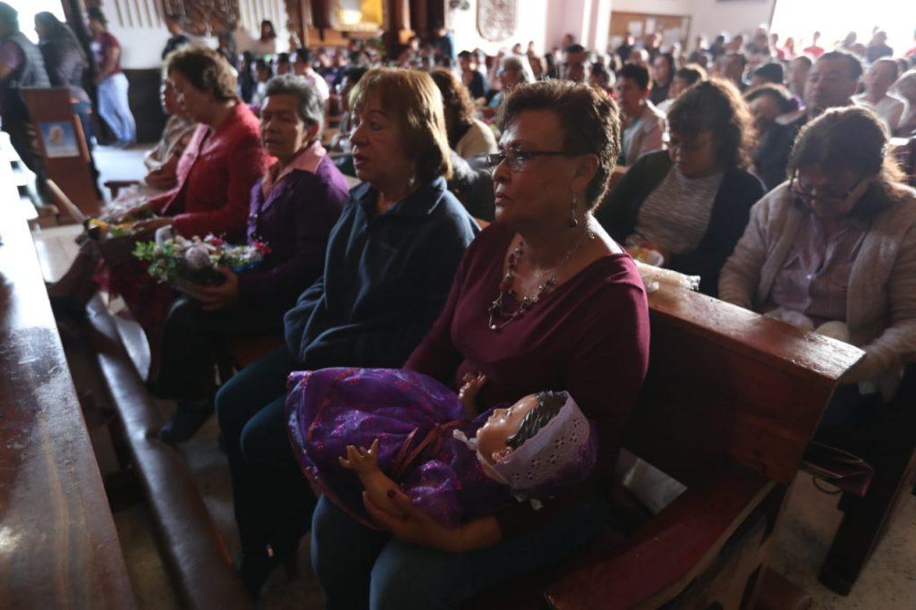 Durante la misa también se llama a los feligreses a mantener la armonía en el hogar y dejar que Jesús nazca en sus corazones.
