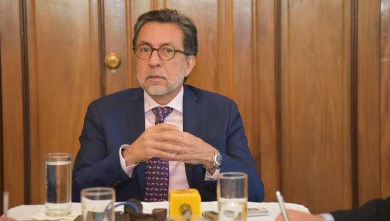 Luis Arreaga, embajador de Estados Unidos en Guatemala, en entrevista con medios de comunicación el martes 26 de febrero de 2019. (Foto cortesía de Embajada de EE.UU. en Guatemala)