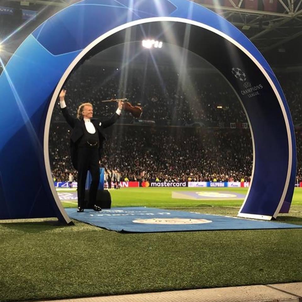 André Rieu estuvo en la Champions League. (Foto Prensa Libre: Facebook André Rieu)