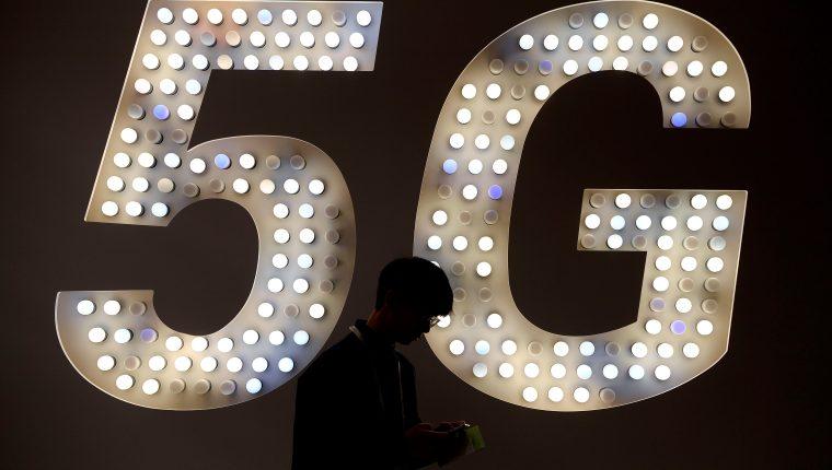 La tecnología 5G es esperada por los usuarios de smartphones. (Foto Prensa Libre: AFP)