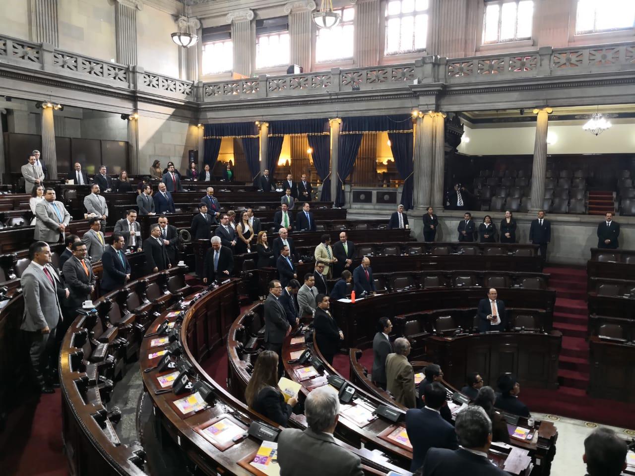 Los diputados no lograron consensos y pospusieron la aprobación del préstamo para el proyecto Crecer Sano. (Foto Prensa Libre: Carlos Álvarez)