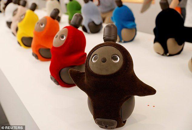 Lovot es conocido como el robot emocional.  (Foto Prensa Libre: Daily Mail)