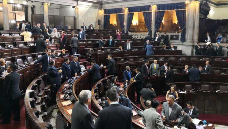Los diputados aprobaron un acuerdo para convocar a la integración de la Comisión de Postulación que deberá proponer al Congreso la terna para elegir al director del IDPP. (Foto Prensa Libre: Carlos Álvarez)