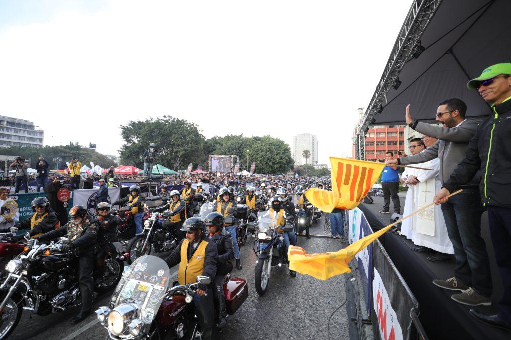 El concejal primero de la Municipalidad de Guatemala, Luis Pineda, dio el banderazo de salida.  Foto: cortesía Jorge Ordóñez