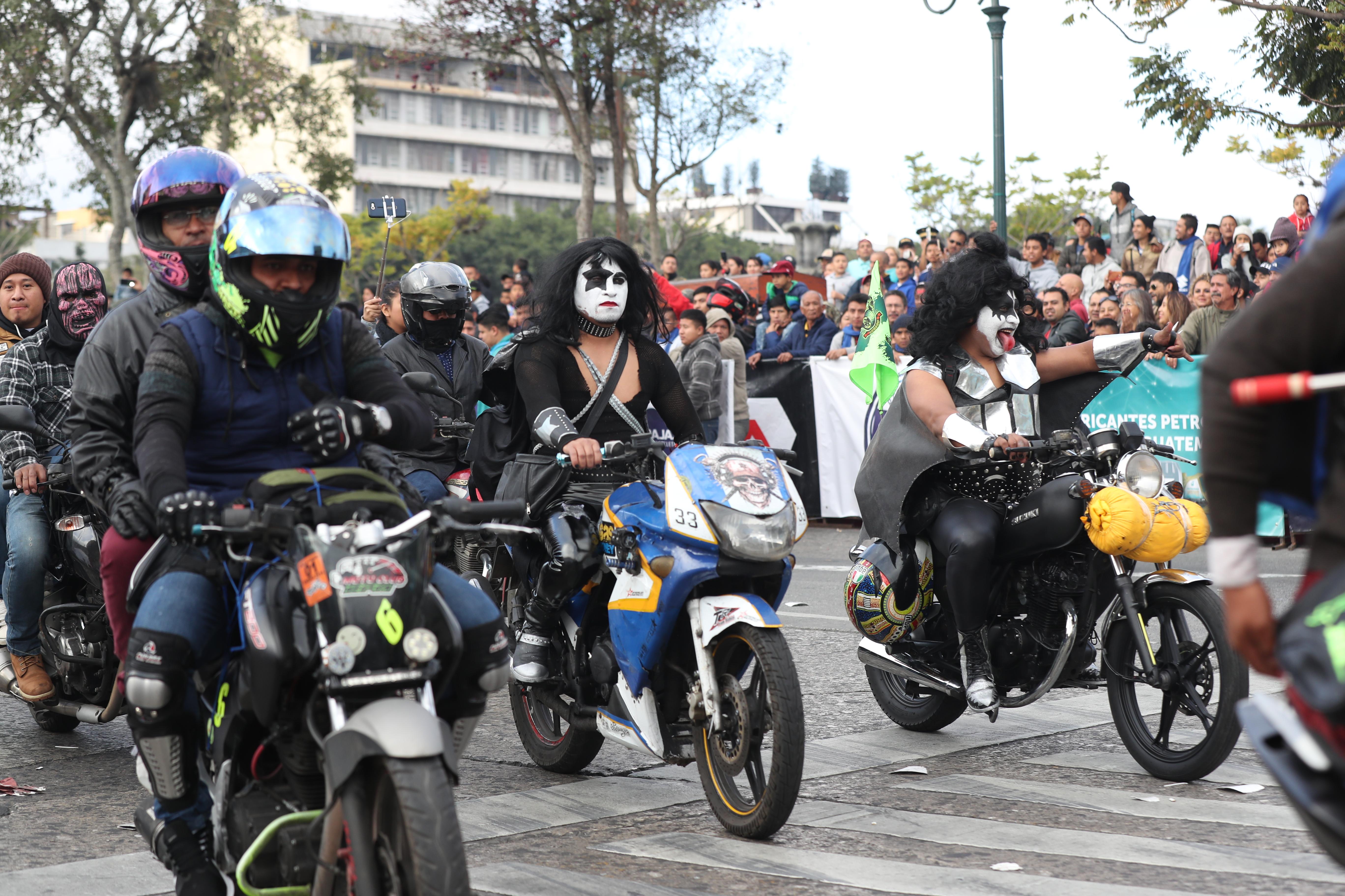 Participantes mostraron disfraces del grupo Kiss.