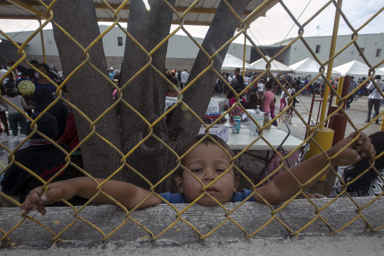 Migrantes albergados en Piedras Negras, México.