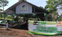 El albergue en San Pedro Yepocapa, Chimaltenango, tienen capacidad para 300 animales. (Foto Prensa Libre: Cortesía Conred).