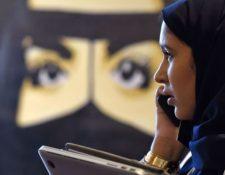 Cierta tecnología podría favorecer el control de los hombres sobre las mujeres en Arabia Saudita. (FAYEZ NURELDINE/GETTY IMAGES)
