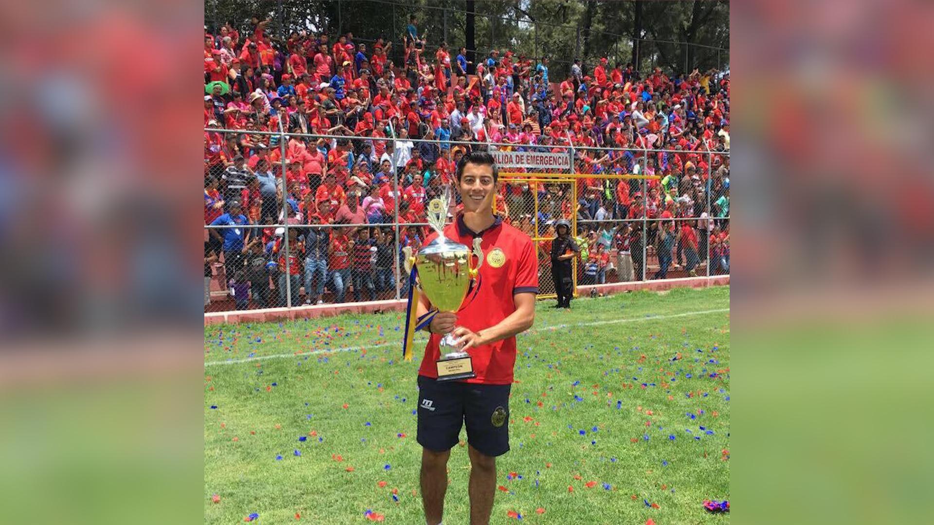 José Arias ha tenido éxito en las categorías inferiores de Municipal. (Foto Prensa Libre: Cortesía Andrés Arias)