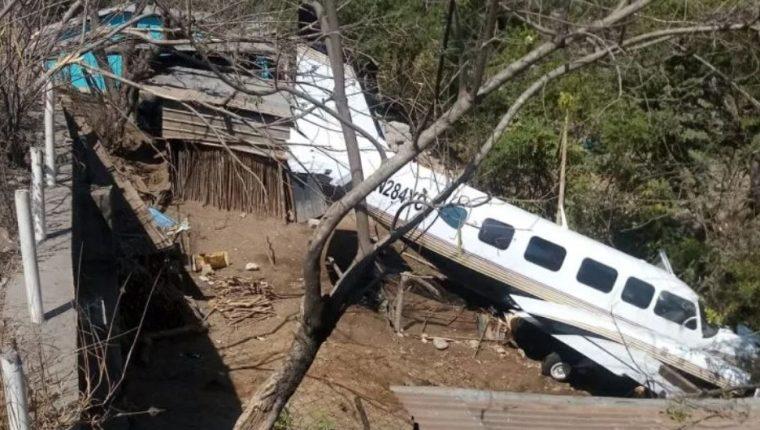 Una avioneta posiblemente utilizada por el narcotráfico cayó en Chiquimula, el pasado 19 de febrero. (Foto Prensa Libre: MP)