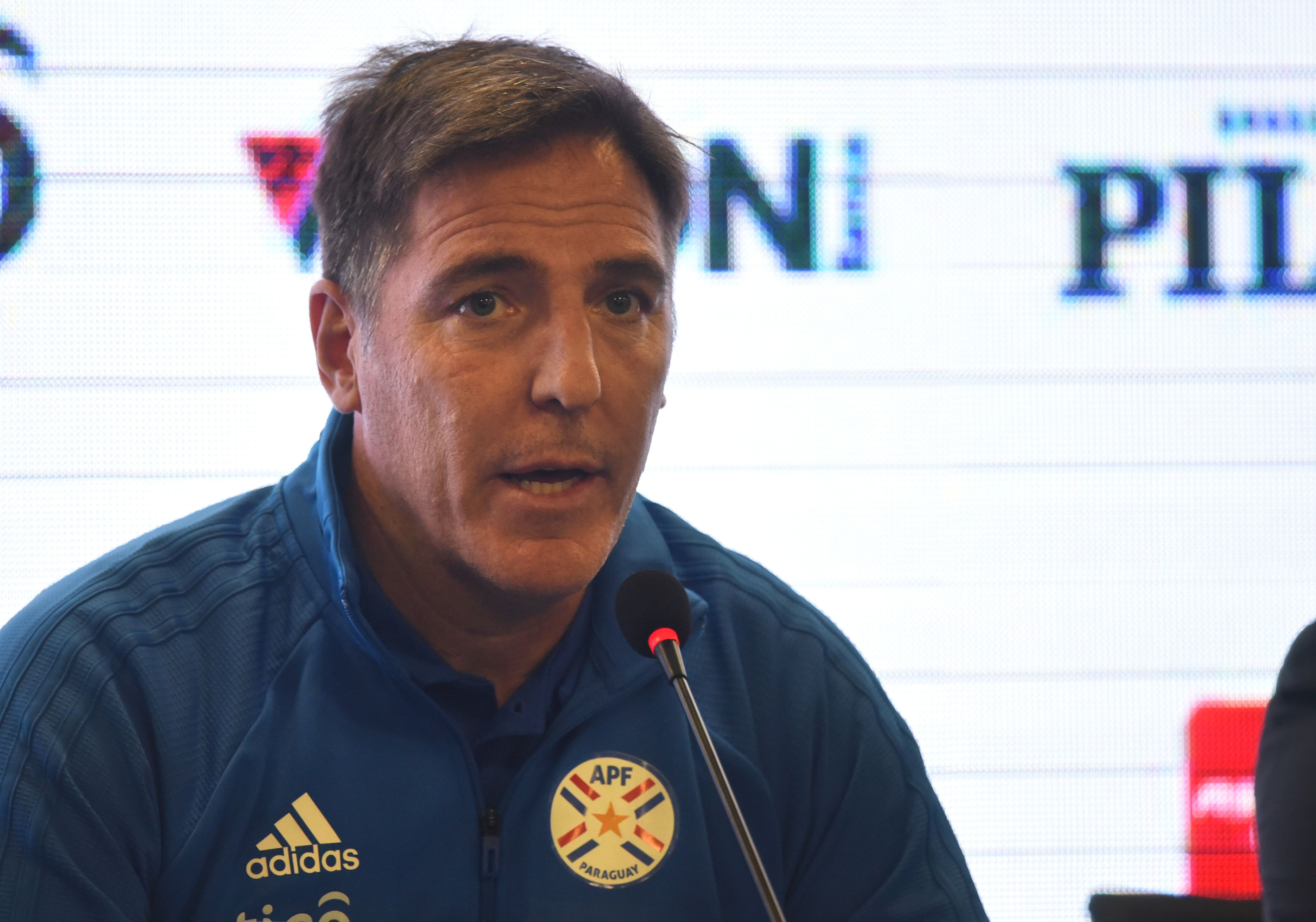 El Argentinian Eduardo Berizzo es el nuevo guía del combinado guaraní. (Foto Prensa Libre: AFP)
