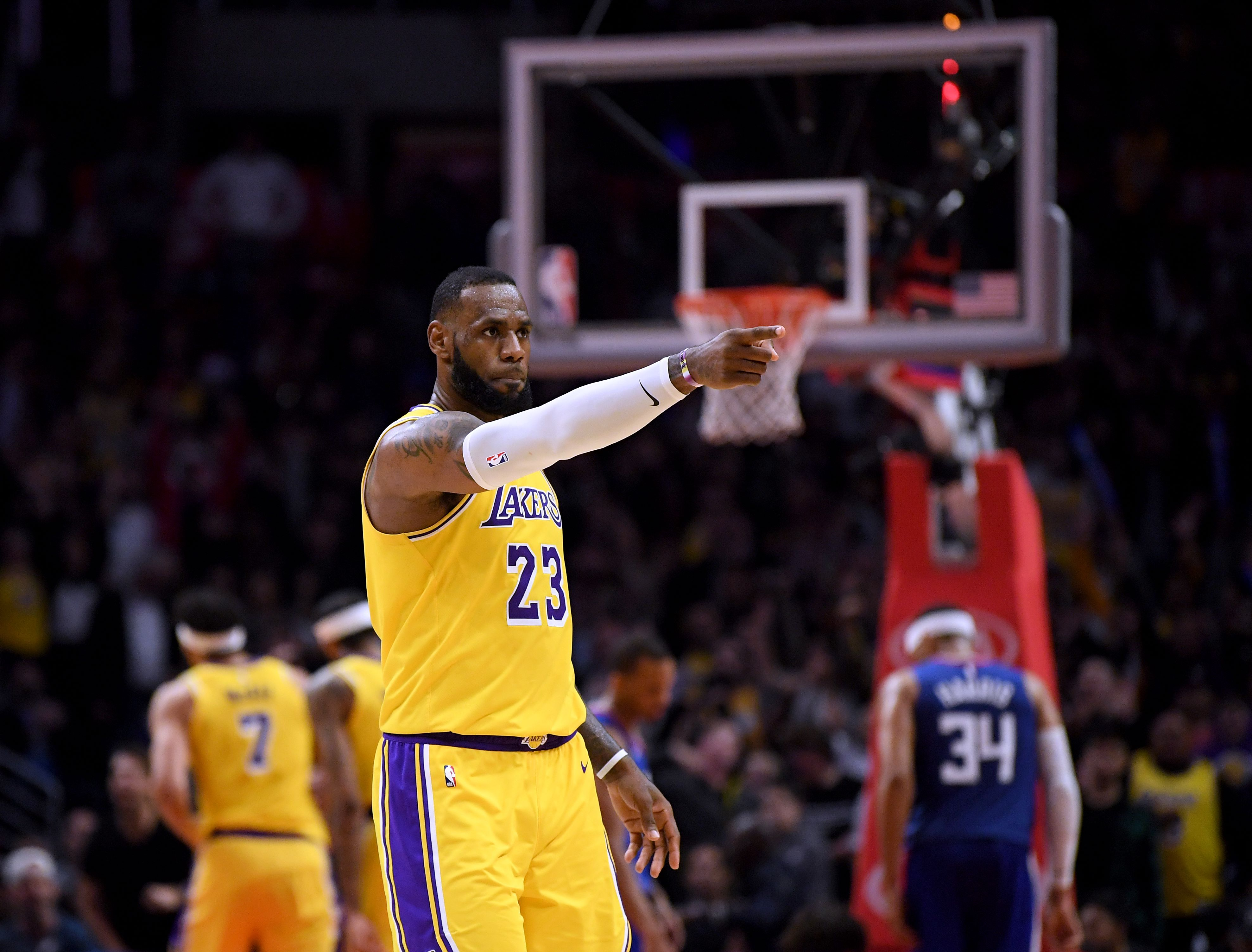 LeBron James volvió a la duela y lo hizo a lo grande. (Foto Prensa Libre: AFP)