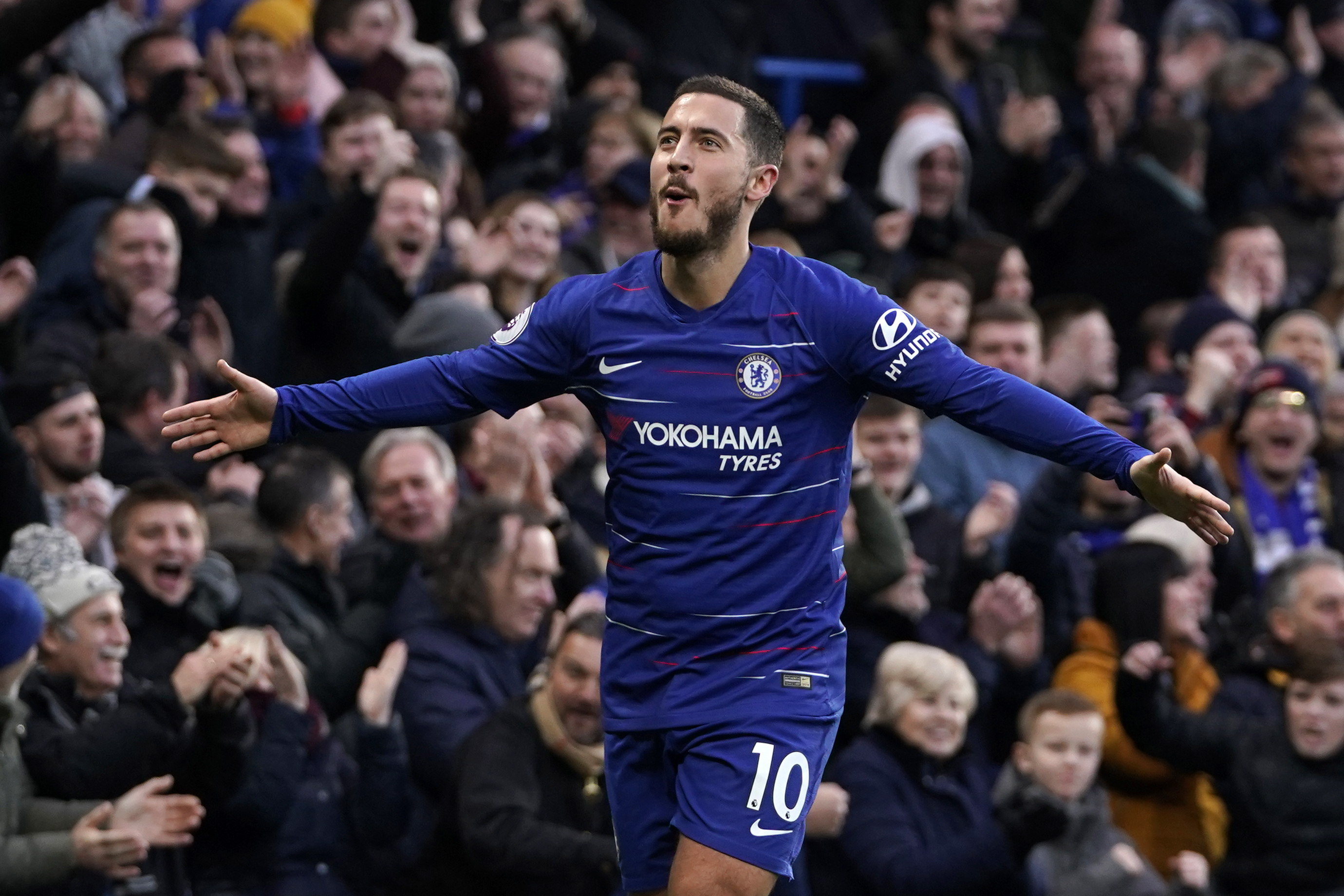WO001. London (United Kingdom), 02/02/2019.- Chelsea's Eden Hazard celebrates after scoring against Huddersfield during their English Premier League soccer match at Stamford Bridge, London, Britain, 02 February 2019. (Londres) EFE/EPA/WILL OLIVER EDITORIAL USE ONLY. No use with unauthorized audio, video, data, fixture lists, club/league logos or 'live' services. Online in-match use limited to 120 images, no video emulation. No use in betting, games or single club/league/player publications