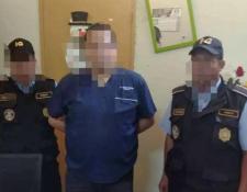 El pediatra Joshua Alberto Romero Figueroa, señalado de negligencia médica, fue capturado en Chiquimula. (Foto Prensa Libre: Mario Morales).