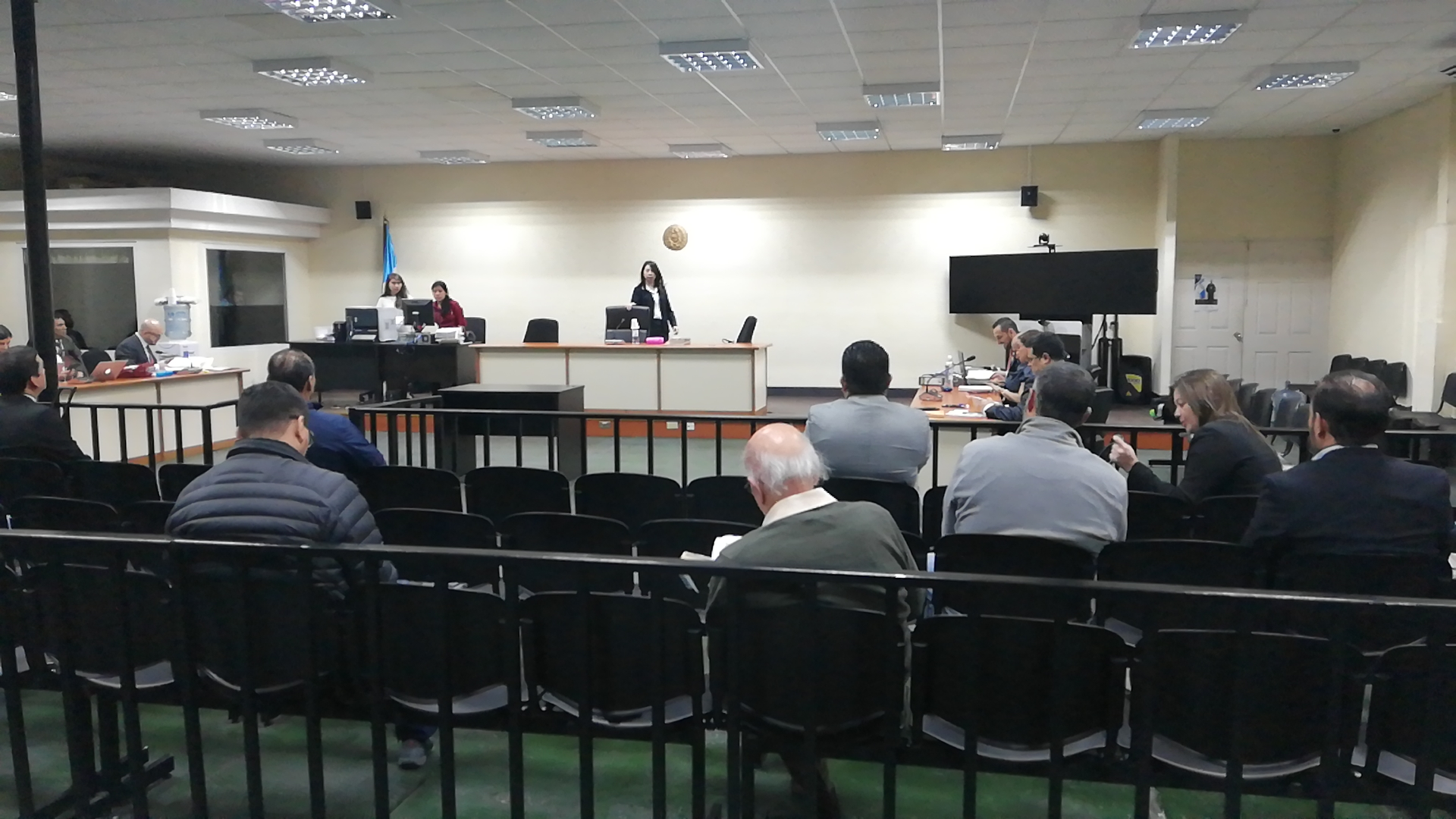 """La audiencia intermedia a los implicados en el caso Construcción y Corrupción fase uno se realizó en la """"megasala"""". (Foto Prensa Libre: Kenneth Monzón)"""