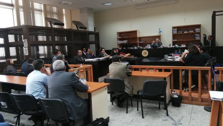 La audiencia del ofrecimiento de las pruebas del caso La Línea se desarrolla en el Juzgado de Mayor Riesgo B. (Foto Prensa Libre: Érick Ávila)