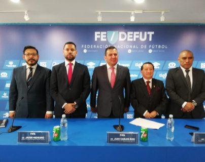 El Comité de Regularización de la Fedefut, encabezada por Juan Carlos Ríos, empiezan el camino para su salida de la Federación. (Foto Prensa Libre: Carlos Vicente)