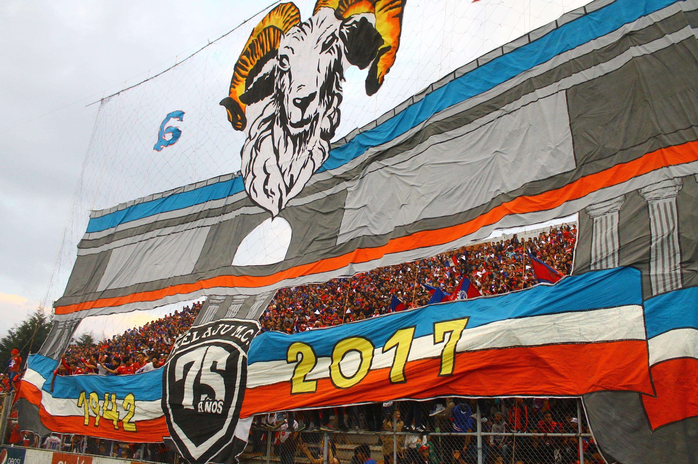 Aficionados de Xelajú esperan celebrar el aniversario con una victoria este sábado ante Guastatoya en el estadio Mario Camposeco, (Foto Prensa Libre: Raúl Juárez)
