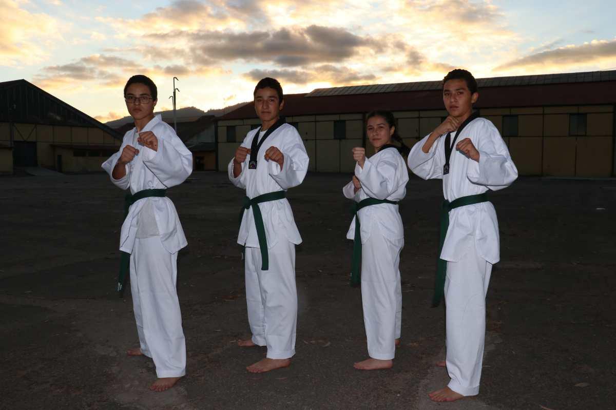 Cuatrillizos comparten la pasión por el taekwondo y destacan en la selección de Quetzaltenango