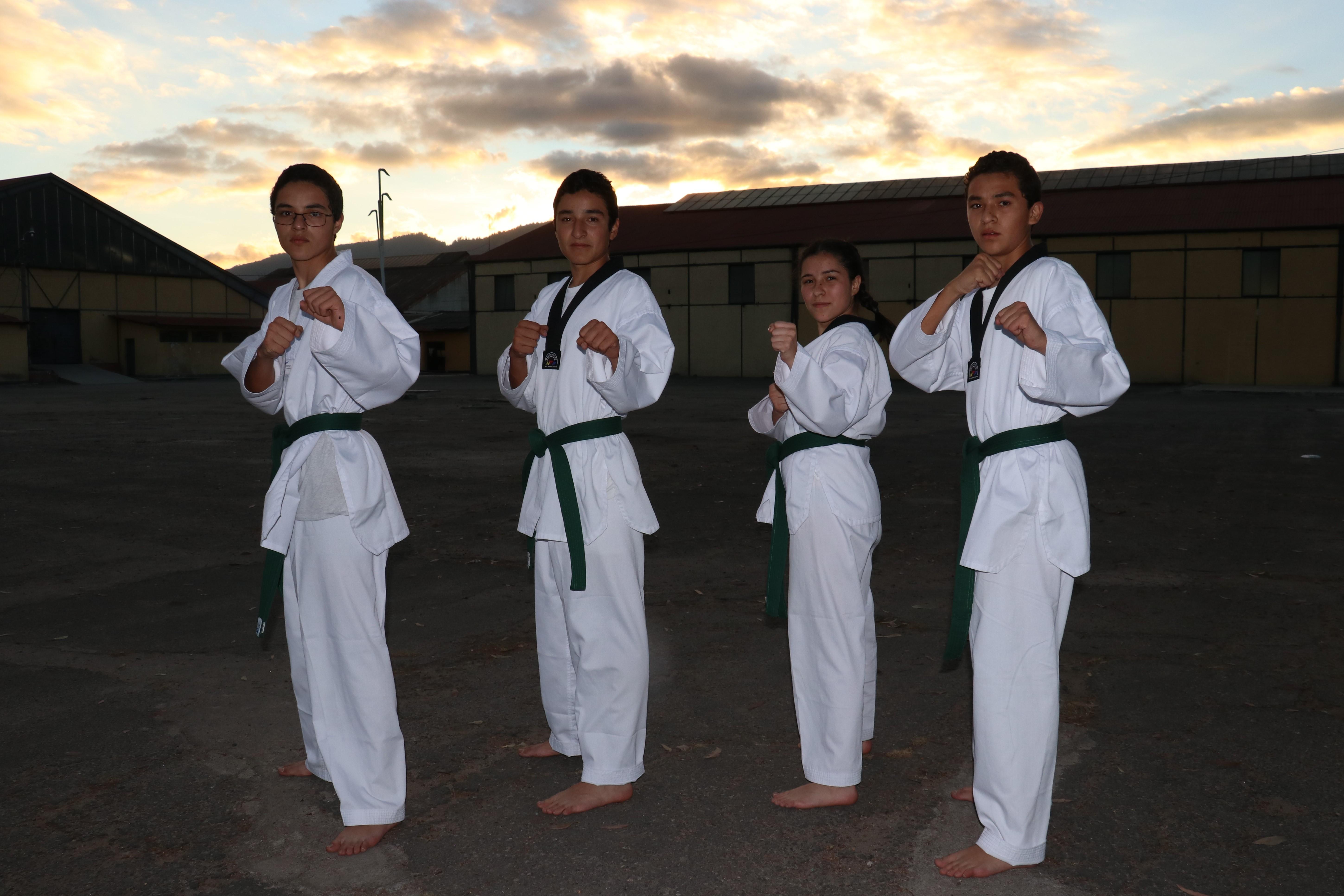 Los hermanos Castillo Gramajo esperan seguir aportando medallas para Quetzaltenango. (Foto Prensa Libre: Raúl Juárez)