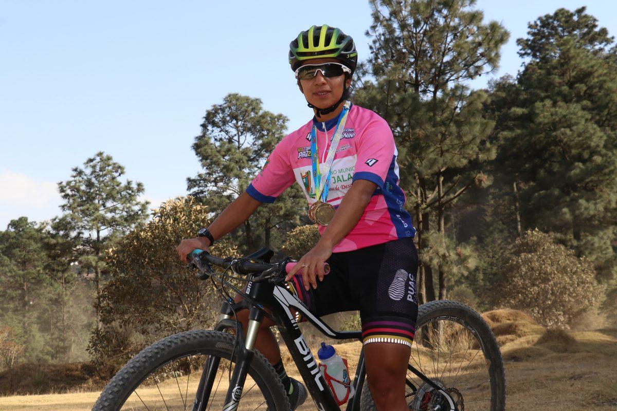 La quetzalteca Flory de León se antepone a la adversidad y gana el Tour Por La Paz