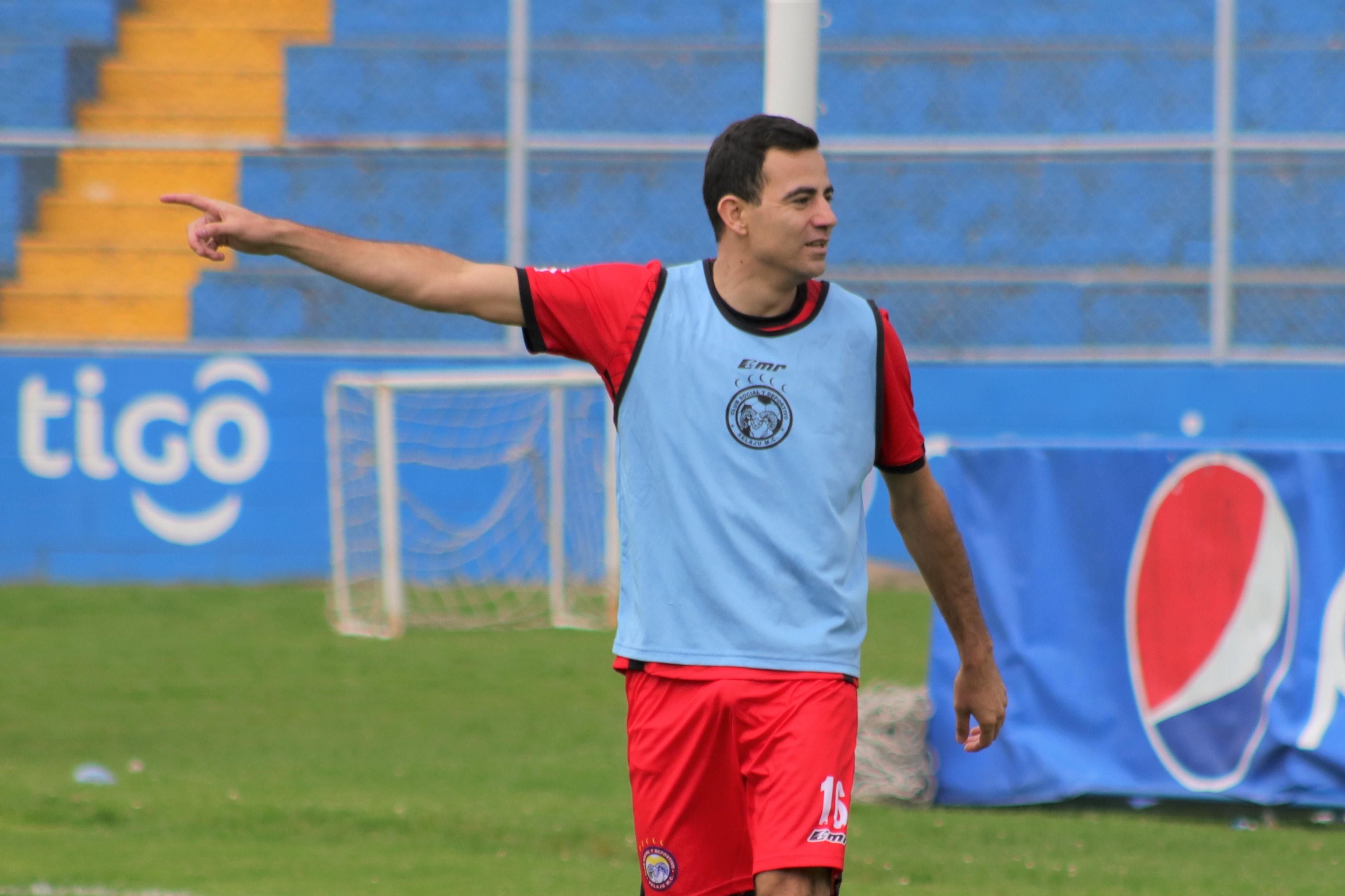 Marco Pappa no ha tenido el rendimiento esperado en el presente torneo. El jugador aseguró que el equipo ha tenido cambios para mejorar. (Foto Prensa Libre: Raúl Juárez)