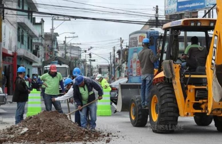 Los trabajos para construir el viaducto comenzaron en enero recién pasado en la Calle Martí. (Foto Prensa Libre: Hemeroteca PL).