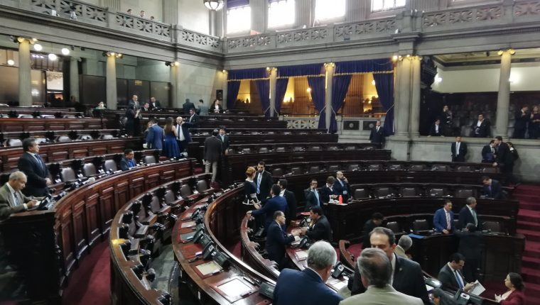 Los diputados no lograron la aprobación del préstamo Crecer Sano y este probablemente se perderá. (Foto Prensa Libre: Carlos Álvarez)