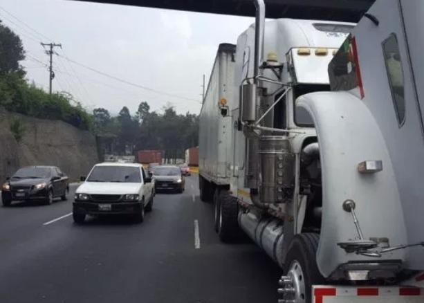 Un vehículo averiado puede causar grandes atascos. (Foto Prensa Libre: Hemeroteca PL).