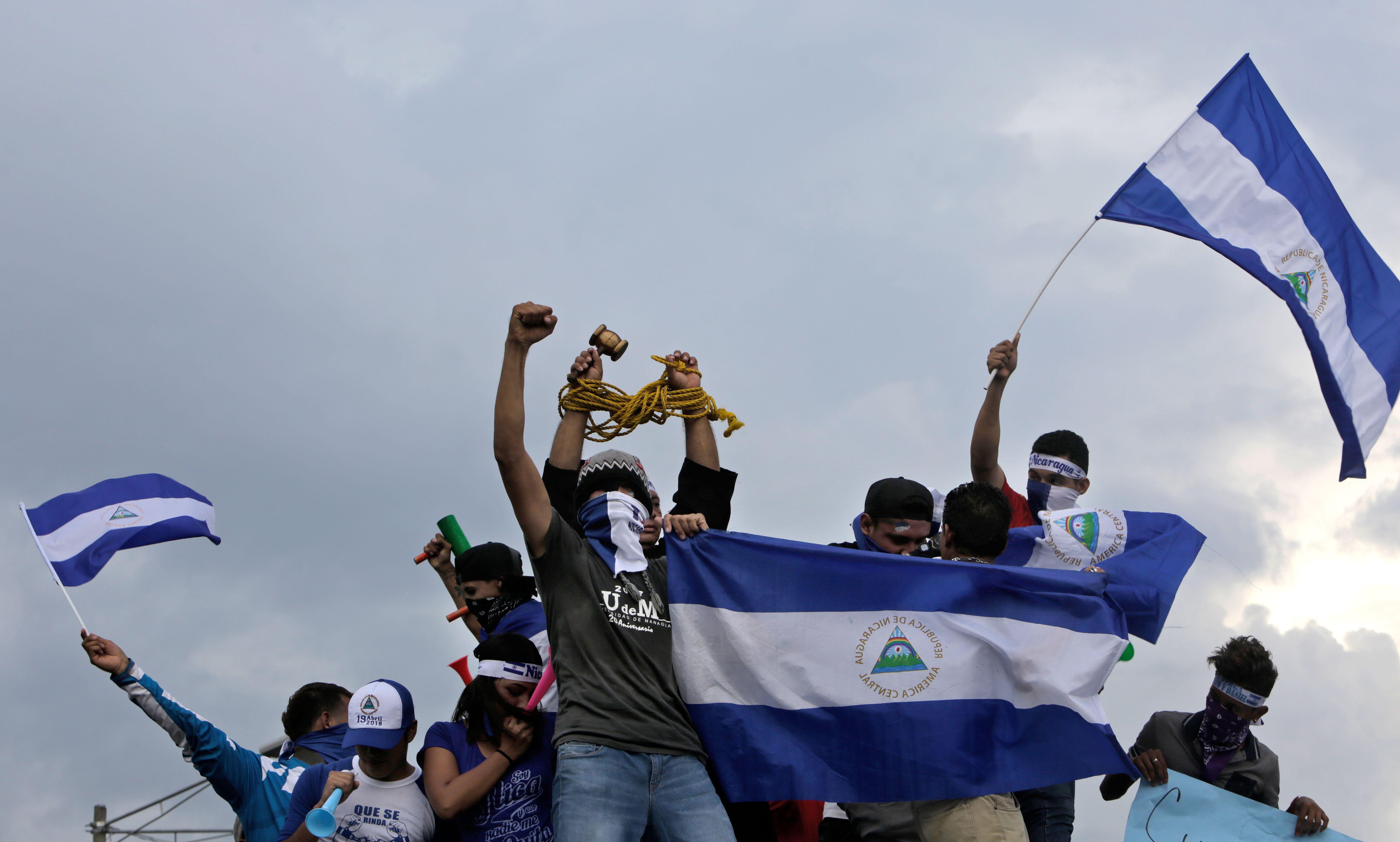 La oposición nicaragüense pide la liberación de presos políticos como condición para el diálogo. (Foto Prensa Libre: AFP)